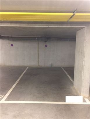 Parking/garage/box