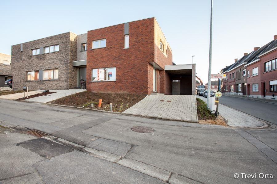 2 dernières nouvelle construction 3 façades avec carport et jardin